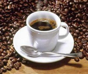 Puzle Xícara de café com pires e colher